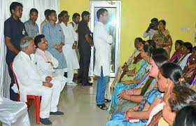 rahul-gandhi-meets-children-of-naxal-affected-areas