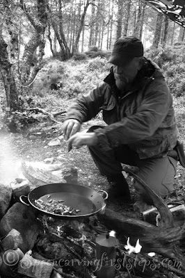 camp-fire-cooking.bushcraft-cooking.foraging