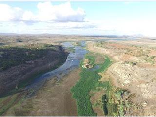 Água do Rio São Francisco chega ao espelho d'água do açude Boqueirão, na PB