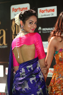 Shanvi Looks Super Cute in Pink Backless Choli Blue Saree at IIFA Utsavam Awards 2017 45.JPG