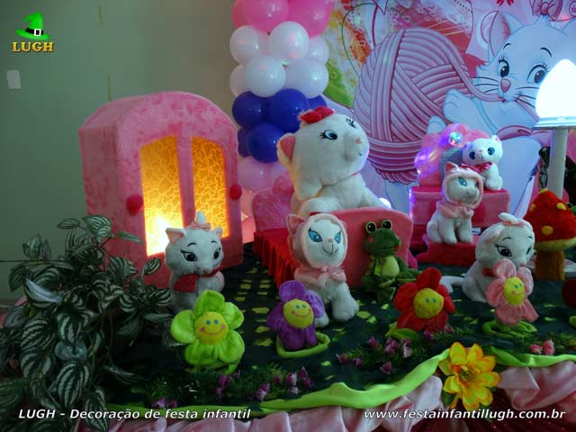 Mesa temática da Gata Marie - festa de aniversário feminino