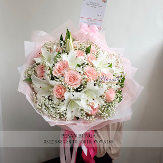 Jual Handbouquet Bunga Lily, Madame Florist, Handbouquet Mawar Pink,