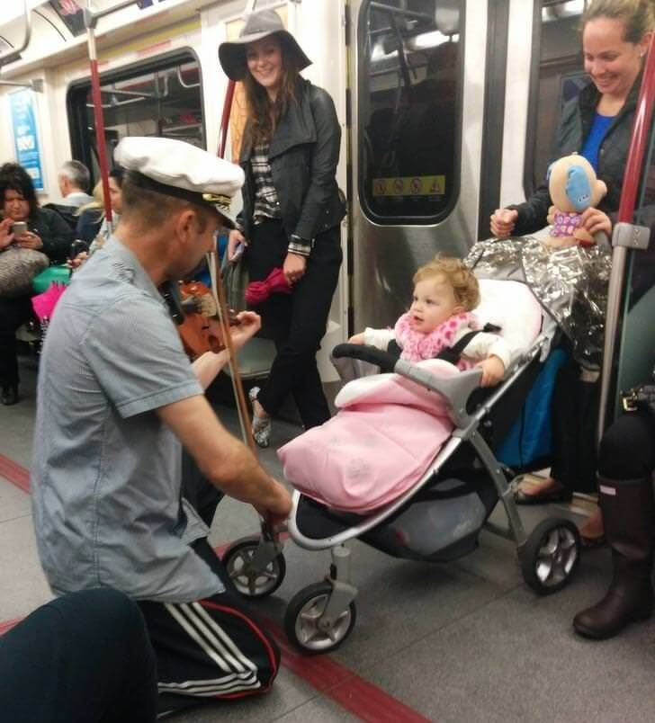 24 Powerful Pictures That Restored Our Faith In Humanity