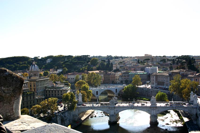 Widok z zamku świętego Anioła na rzekę Tyber