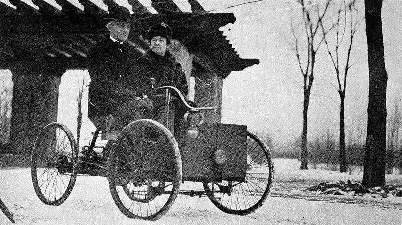 Henyr%2BClara%2BFord Όταν ο Henry Ford, έφτιαξε το πρώτο του μοτέρ, μέσα σε έναν νεροχύτη Ford, Henry Ford, zblog