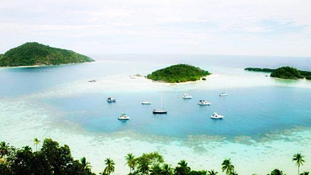 Pulau Ajab mempunyai luas 74 acres atau sekitaran 30 hektare