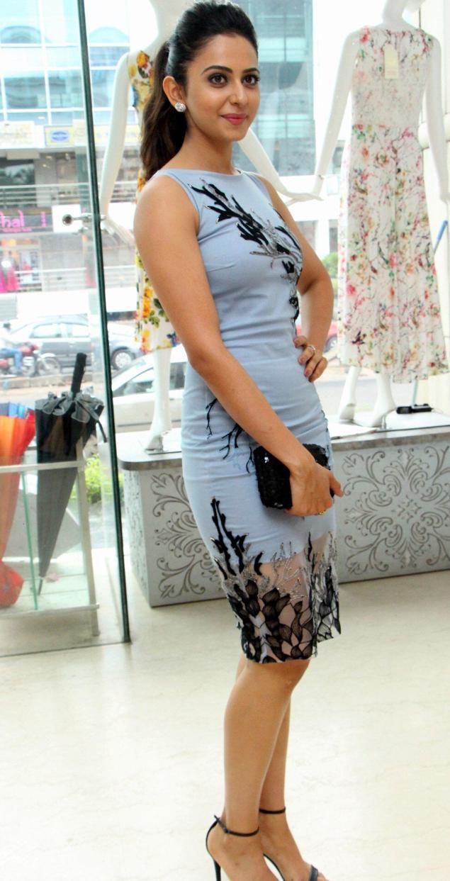 Beautiful Telugu Actress Rakul Preet Singh Long Legs Thigh Show In Mini Blue Skirt