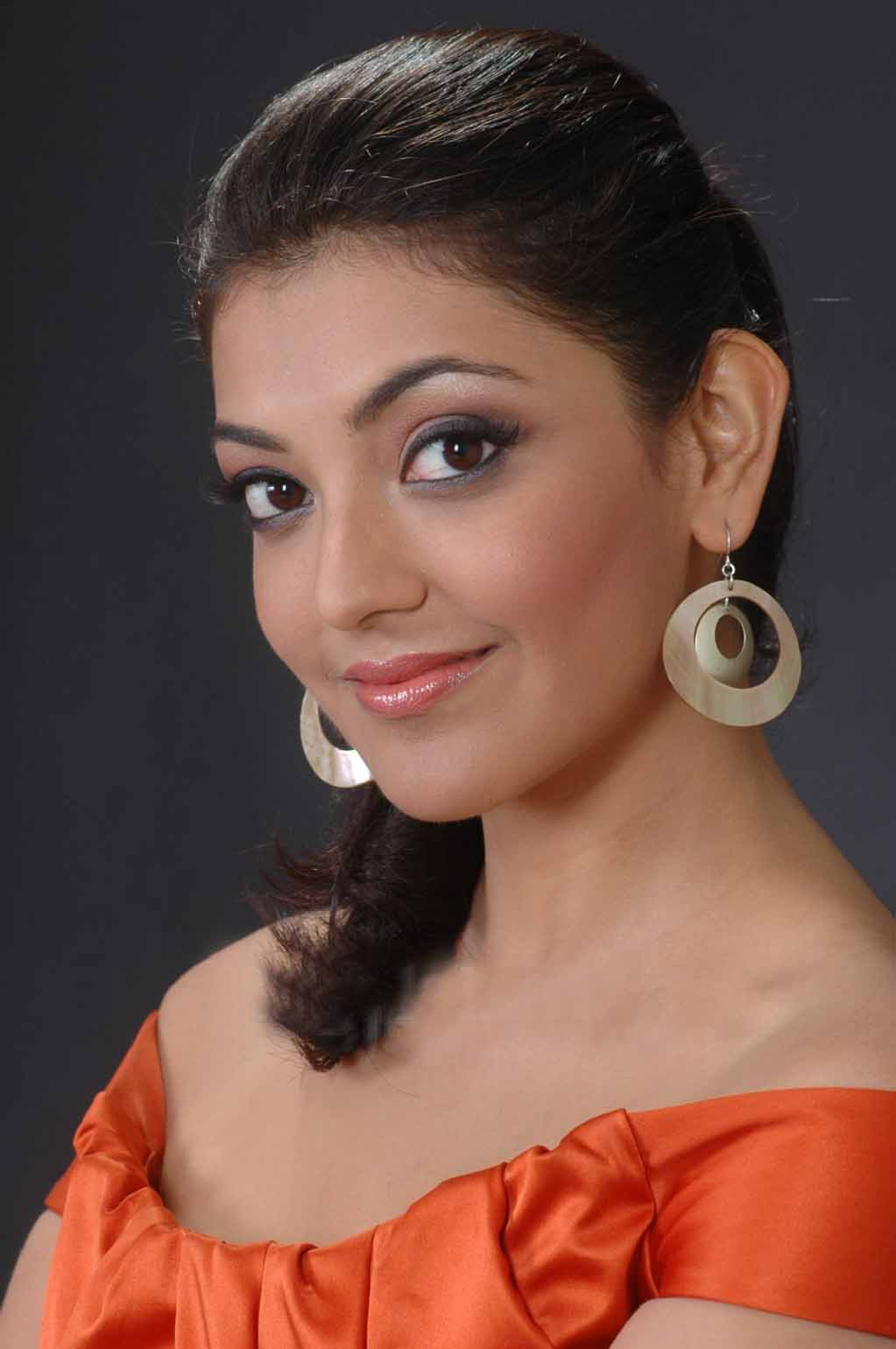 Kollywood Actress kajal Agarwal Hot Close Up Face