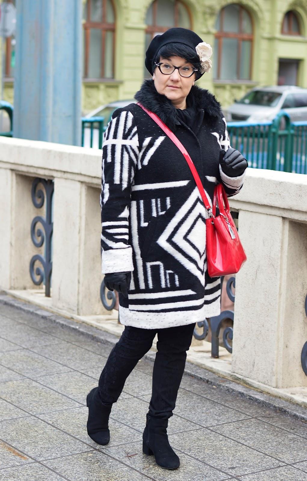 Zimowy płaszcz wełniany