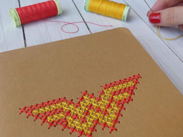 Libreta Wonder Woman: cómo hacer una libreta molona con punto de cruz