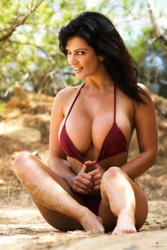 Beautiful Indian Women Model Pic, Charming Model Photo, Hot Indian Model Photo