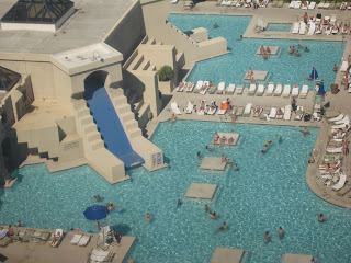 360 vegas oasis - Luxor hotel las vegas swimming pool ...