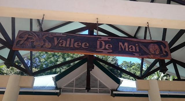 https://voyagestousrisques.blogspot.com/2018/03/la-vallee-de-mai-praslin.html