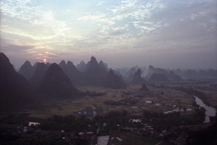 Yangshuo, White Crane Peak, © L. Gigout, 1990