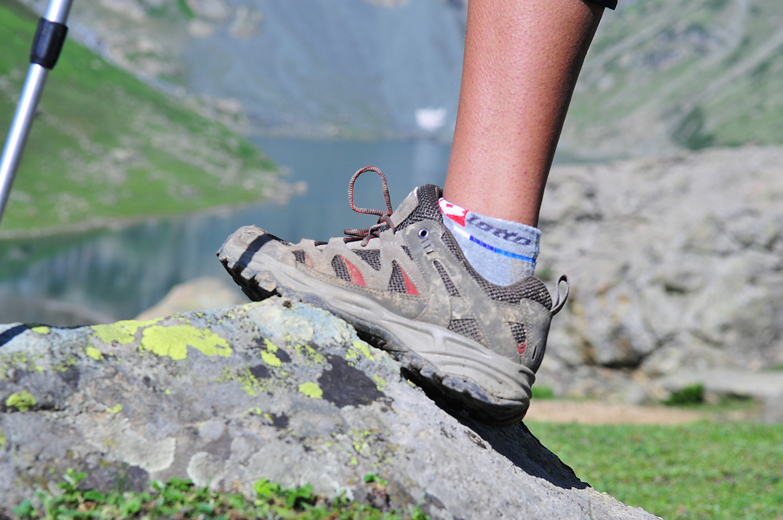 Cách chọn giày leo núi và chạy bộ, loại nào tốt nhất, nên mua ở đâu, giá bán