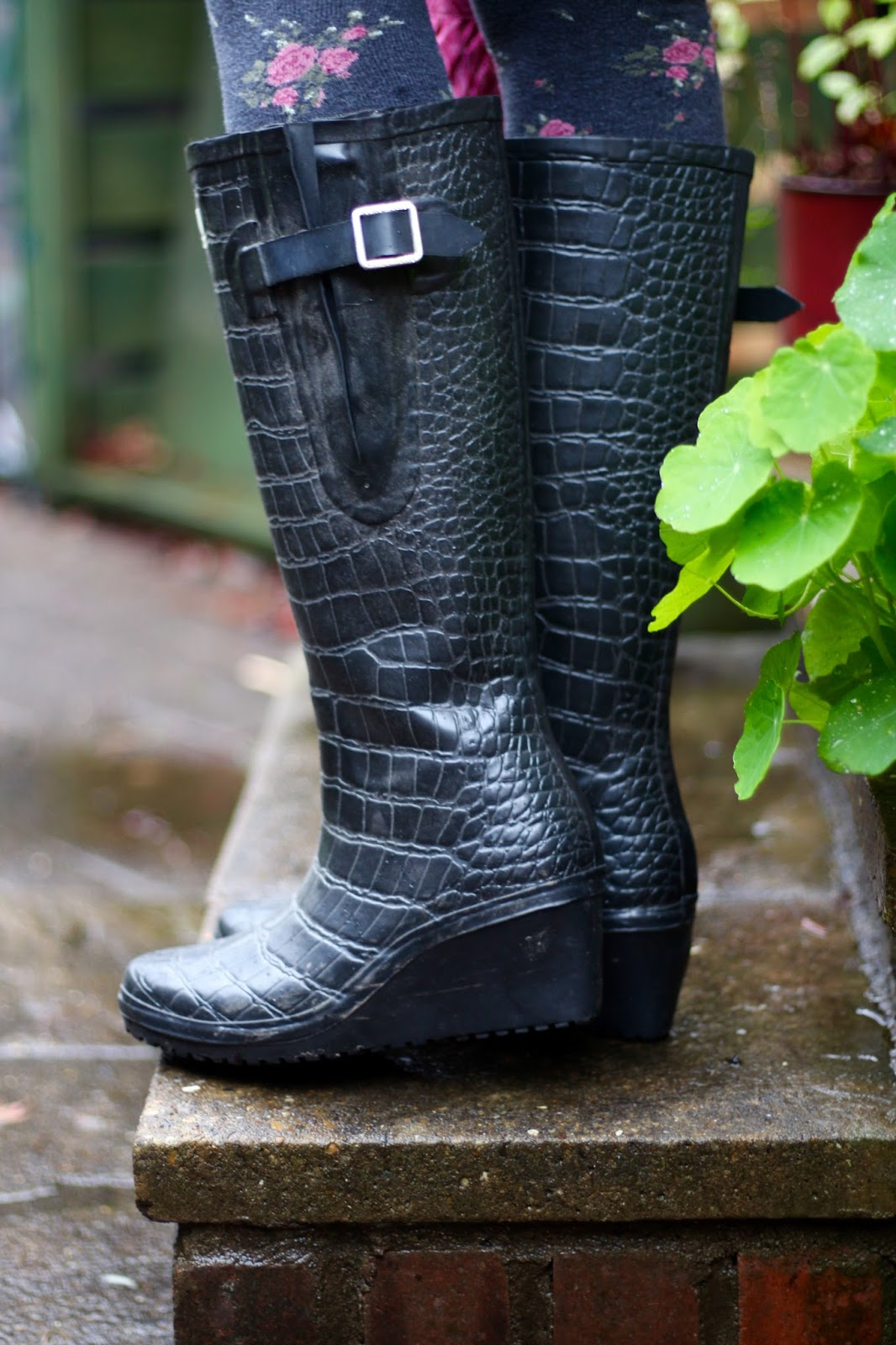 Wet weather outfit, Wedge wellies | Fake Fabulous