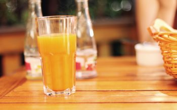 Wallpaper: Orange Juice