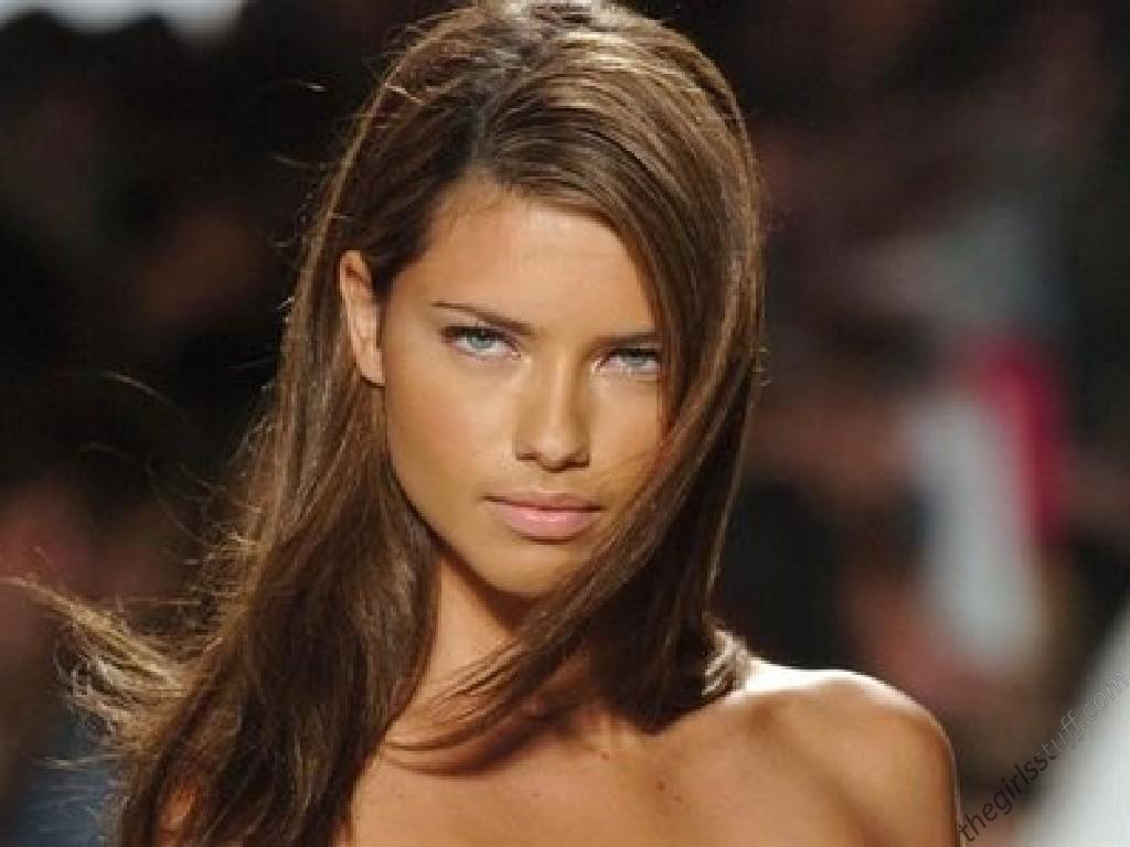 25 Stunning Adriana Lima's Hairstyles | Hairstylo
