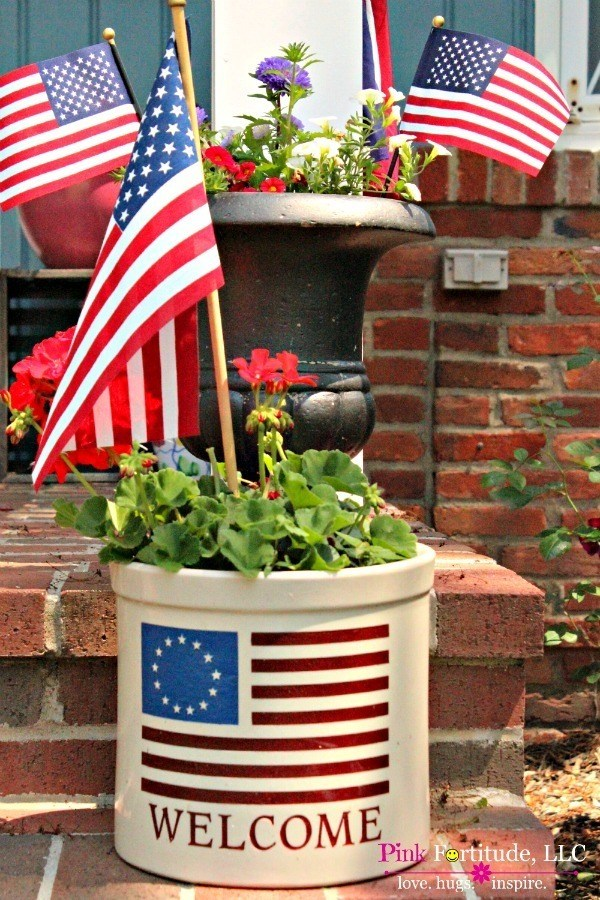Easy red, white and blue decor for the porch