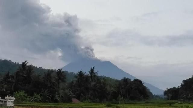 Erupsi Gunung Agung 29 November 2017