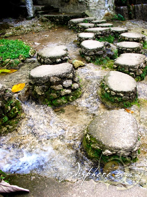 hover_share Stone steps to help visitors pass the clear stream