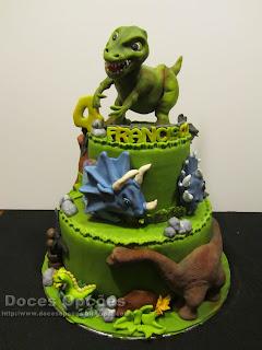 Os dinossauros invadiram o aniversário do Francisco