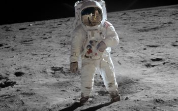 Wallpaper: Buzz Aldrin on the moon