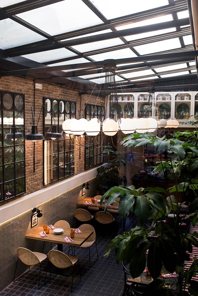 restaurante-fellina-cocina-italiana-madrid-terraza-acristalada