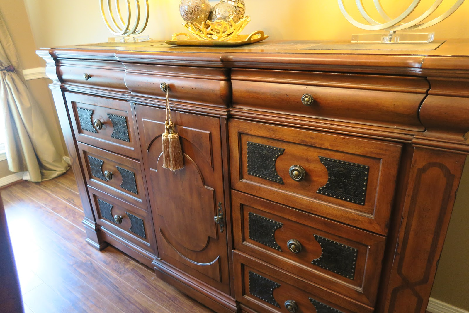 I Recently Shared A Video On My YouTune Channel The Steps Took Cleaning Out Hutch In Dining Room Thought Should Also Share Some Tips Here