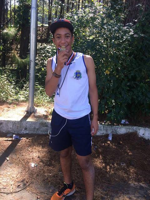 Atleta Guilherme de Juquiá sagrou-se Campeão Estadual Sub 16 na prova de Salto Triplo