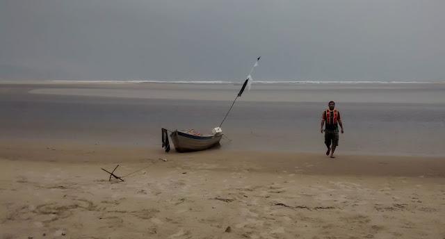 Praia de Itaguaré, um dos poucos trechos de Mata Atlântica preservados em Bertioga.