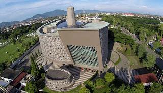 Mengenang Sejarah Pembangunan Museum Tsunami Aceh