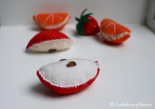 Felt Fruit | DIY Play Food by CustodiansofBeauty.blogspot.com