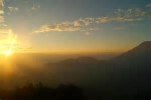 Golden Sunrise Puncak Sikunir
