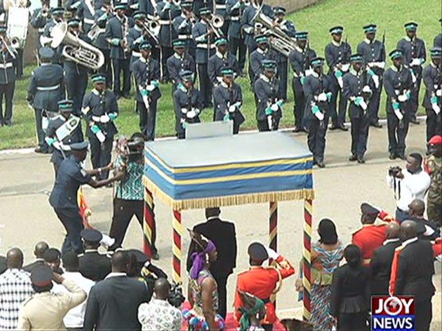 Watch: Security man, cameraman clash before anthem-singing Akufo-Addo