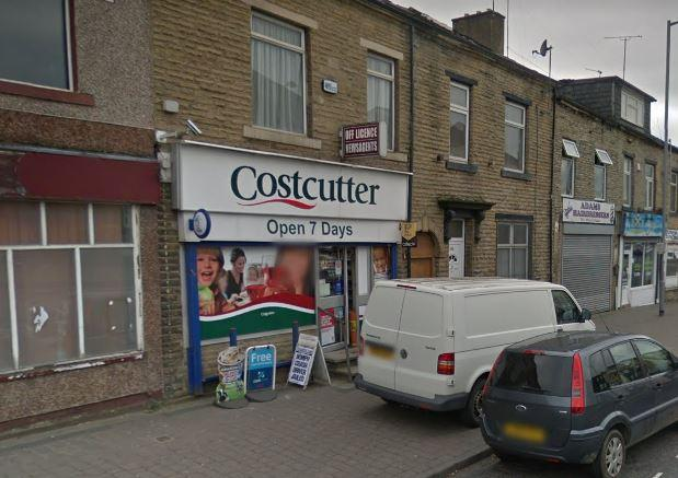 Armed police swoop on Costcutter, Barkerend Road