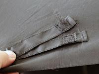TAIKUU 折り畳み傘 超軽量 240g Teflon認証 超吸水カバー付き 晴雨兼用 傘テフロン ブラック U-240 BL-WB巻き取りテープのベルクロが毛羽立って引っかかりがほとんど無くなってしまった。