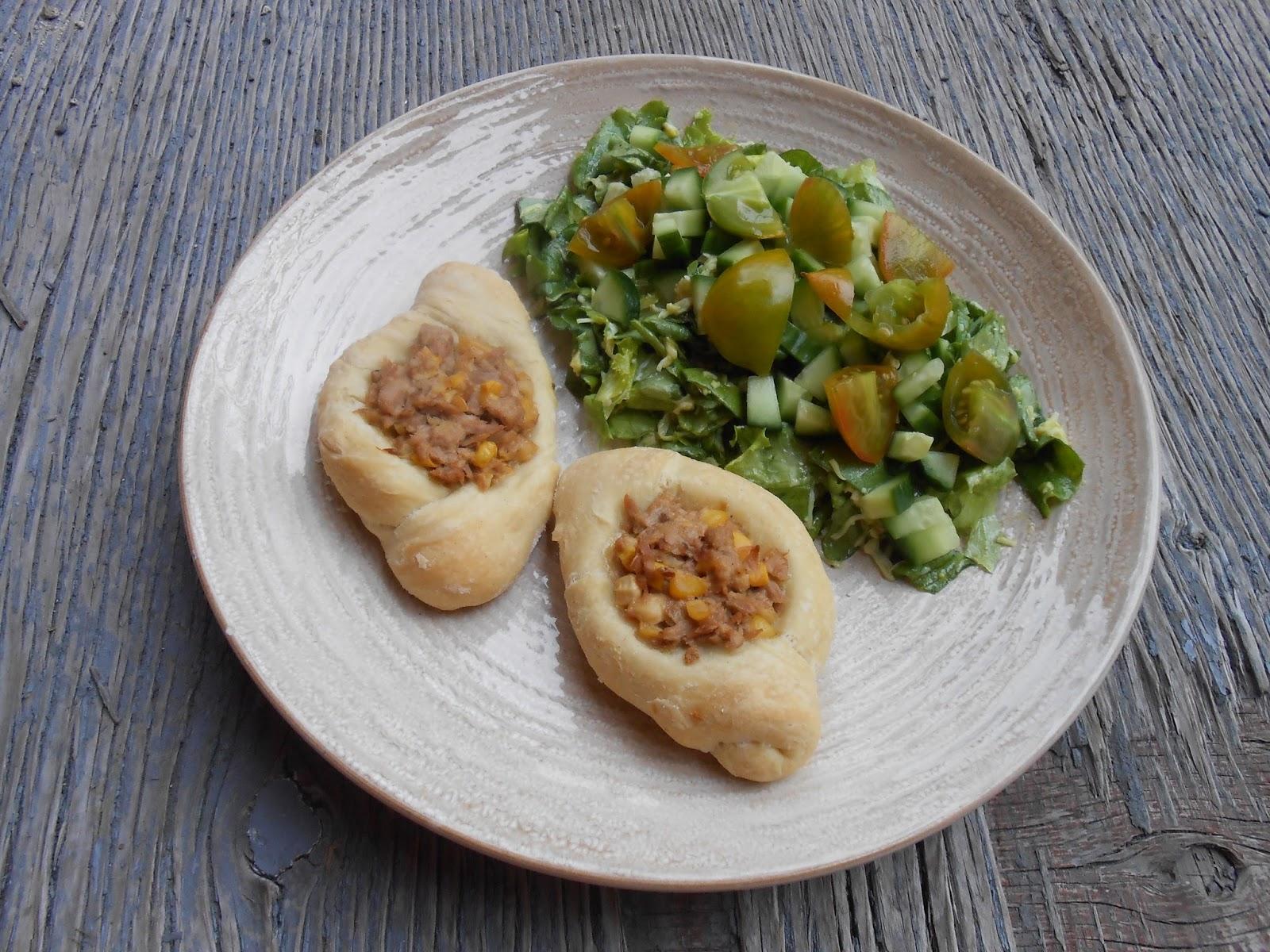 eat cook and love petits pains la salade de thon et ma s. Black Bedroom Furniture Sets. Home Design Ideas
