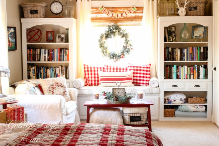 Master Bedroom window seat with holiday decor - www.goldenboysandme.com