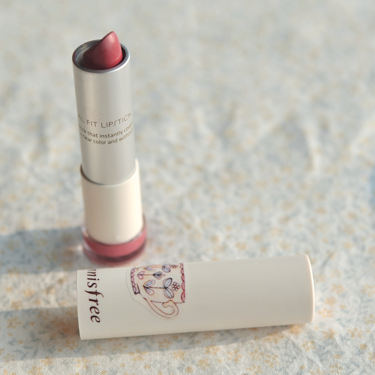 Product Photography Korean Makeup Review Innisfree Real Fit