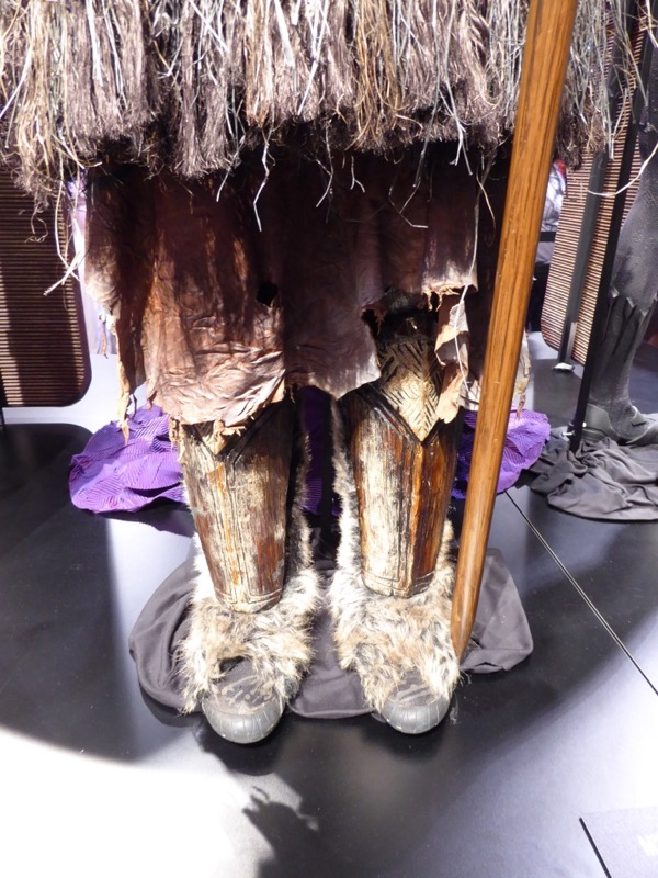 MBaku Black Panther costume legs