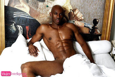 Imagen desnuda de hombre negro