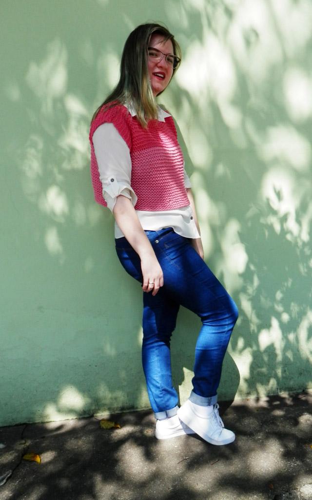 Look: Camisa social com sobreposição em tricô