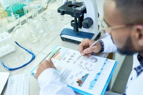"""كورونا""""-تعيد-الحياة-إلى-المختبرات-الطبية-والبحوث-العلمية"""