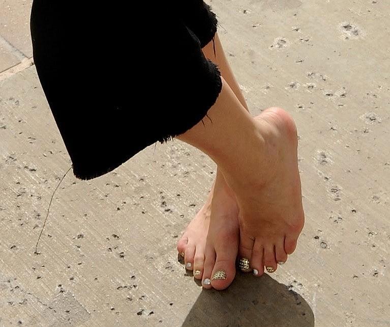 Avril Lavigne Feet 46