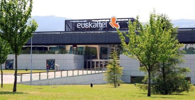 Orange descarta compra Euskaltel