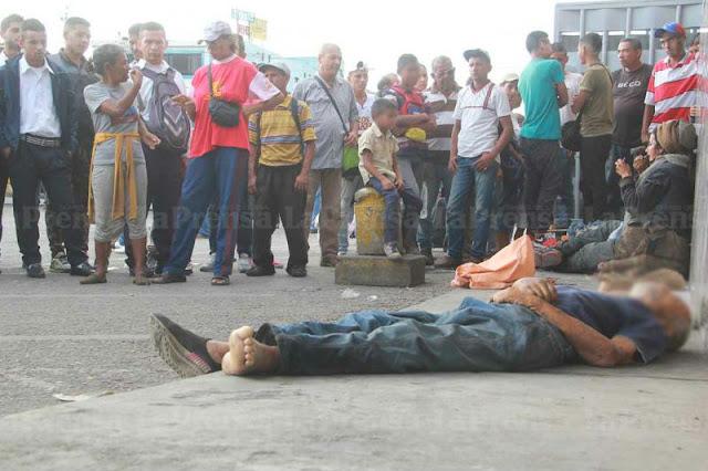 Un Abuelo falleció de hambre en pleno terminal de Barquisimeto