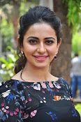 Rakul at Sarrainodu Promotion-thumbnail-12