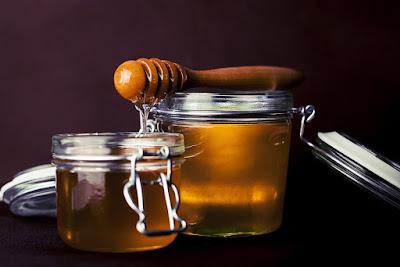 campuran madu dan jeruk ampuh menghilangkan jerawat