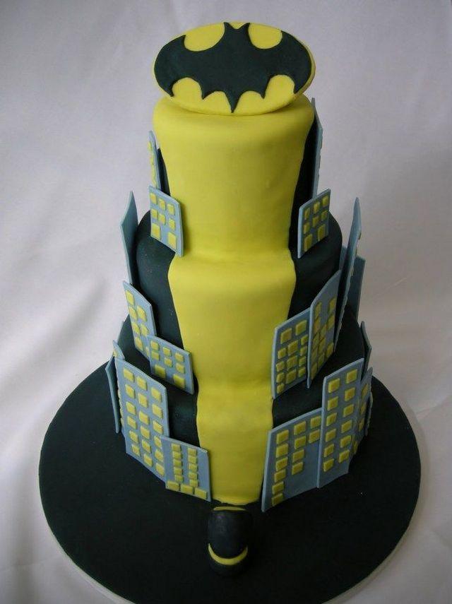 Top 9 Batman Themed Wedding Cakes | Wedding Celebration